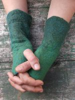 Χειροποίητα γυναικεία γάντια από φελτ σε αποχρώσεις τού πράσινου