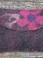 Διάφορα χειροποίητα πορτοφολάκια φελτ σε διάφορα σχέδια και χρώματα