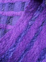 Διάτρητο χειροποίητο γυναικείο κασκόλ φελτ σε μωβ χρώμα