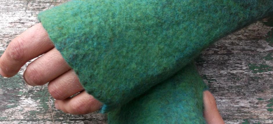 Χειροποίητα γυναικεία γάντια από φελτ σε διάφορα χρώματα