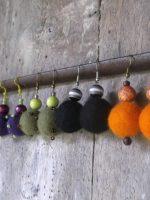 Σκουλαρίκια φελτ με κεντητές χάντρες